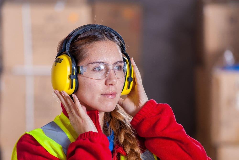 Työhön perehdyttäminen korkean laatutason toimintaympäristössä – miten tukea uuden työntekijän perehtymistä?